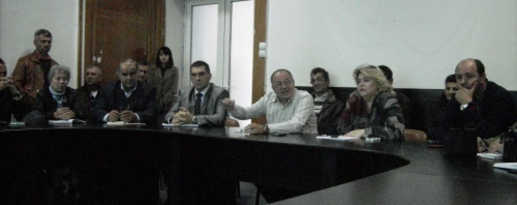 Sorin Roşca Stănescu (senator PNL): Munca producătorilor se duce pe apa sâmbetei din cauza speculanţilor