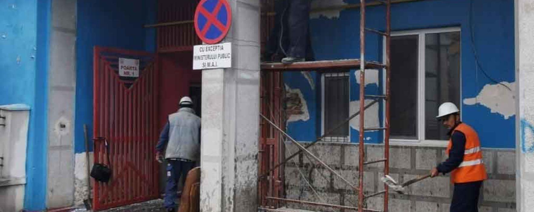 """Târgovişte: Continuă lucrările la stadionul """"Eugen Popescu"""""""