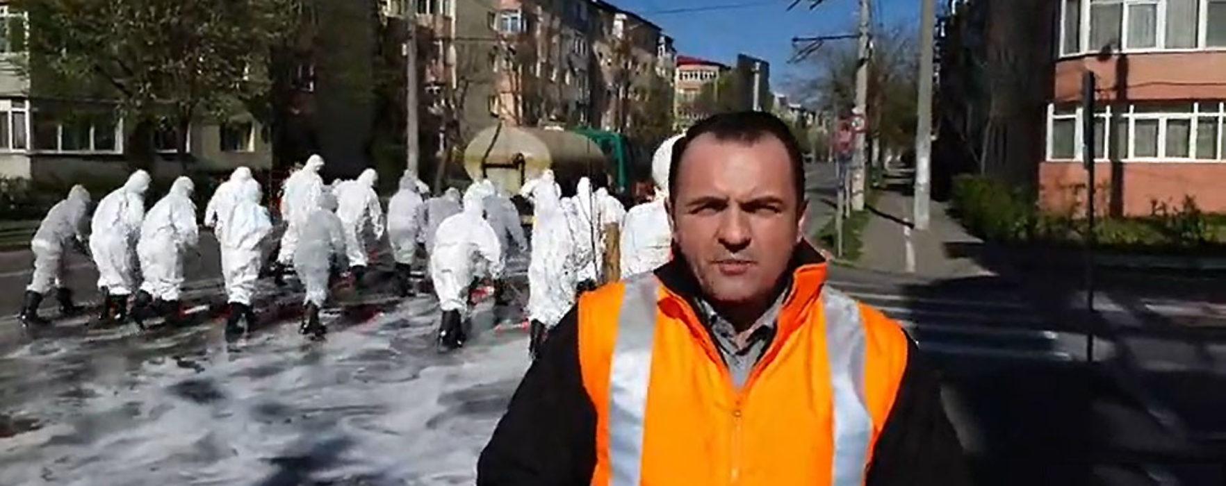 Târgovişte: Acţiune de igienizare în forţă în municipiu, fiecare stradă e spălată (video)