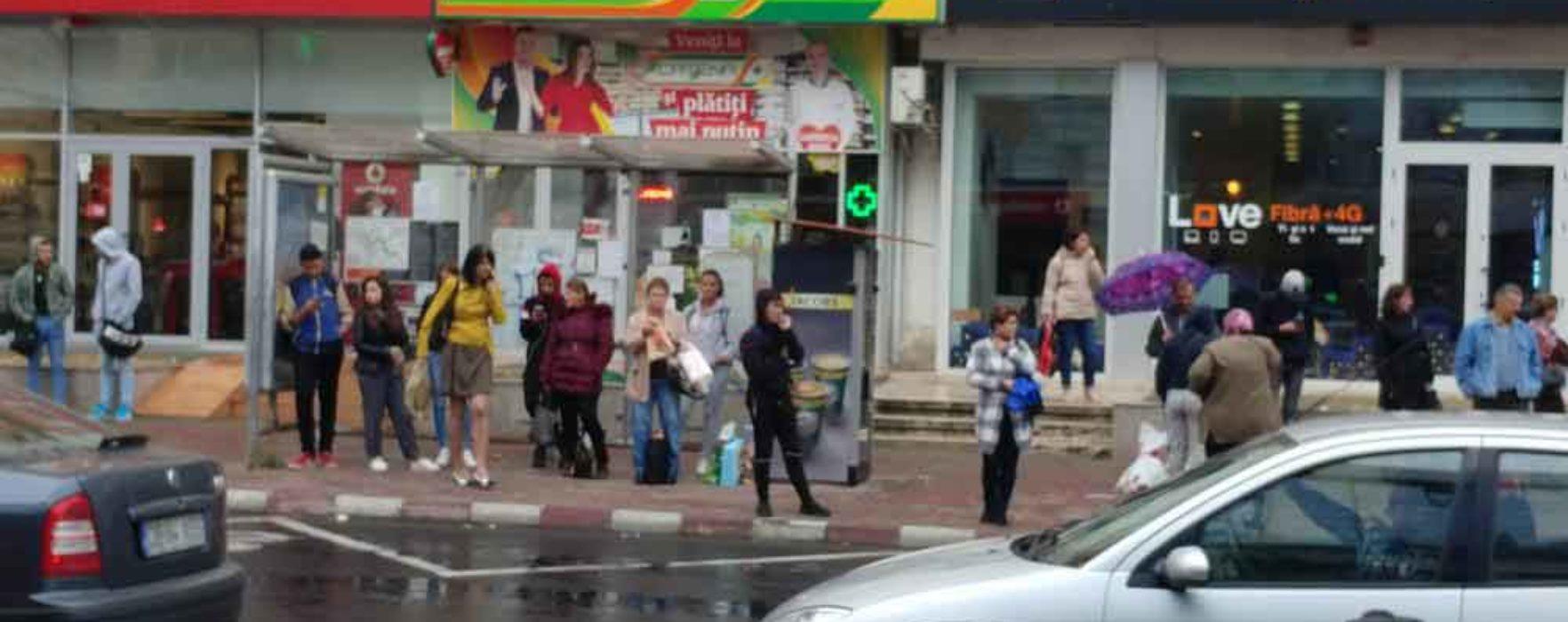 AITT, bătaie de joc la adresa târgoviştenilor; curse neefectuate şi oameni lăsaţi în staţii