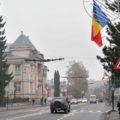 Târgovişte: Peste 1.000 de steaguri arborate în municipiu de 1 decembrie