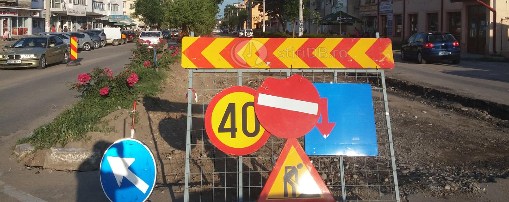 Zeci de şoferi amendaţi pentru nerespectarea semnalizării pe străzile în lucru din Târgovişte