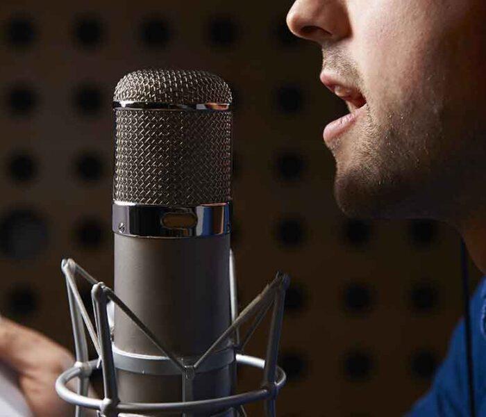 Vrei sa îți faci un studio de voice-over? Află de ce echipamente ai nevoie!
