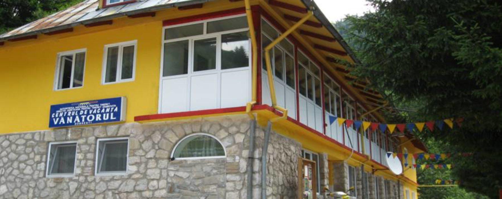 Dâmboviţa: Consiliul judeţean vrea să reabiliteze taberele şcolare şi să o concesioneze pe cea care se află în conservare