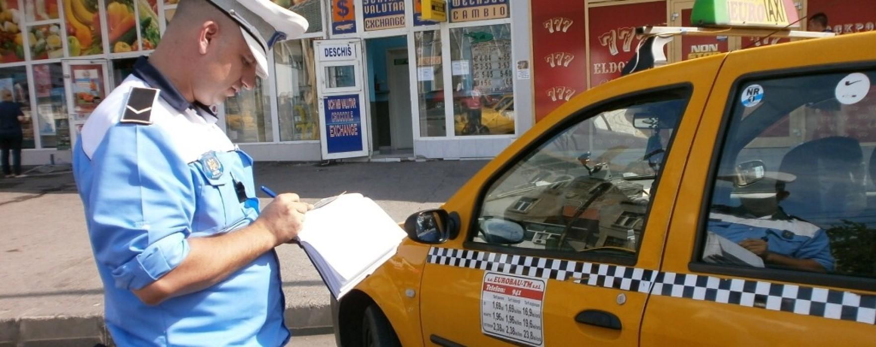 Peste jumătate dintre taxi-urile şi maşinile de şcoală de şoferi controlate de poliţişti dâmbovițeni, găsite cu nereguli