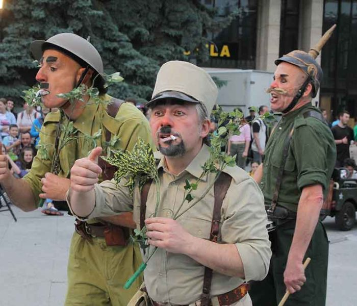 Teatrul Tony Bulandra Târgovişte: Zi plină în plin Babel