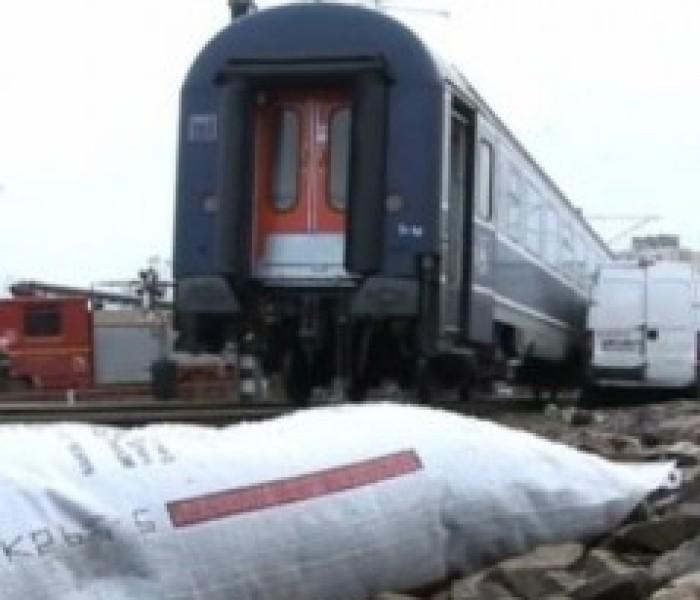 Două persoane din Dâmboviţa, cercetate pentru furt de cocs din vagoanele unui tren de marfă