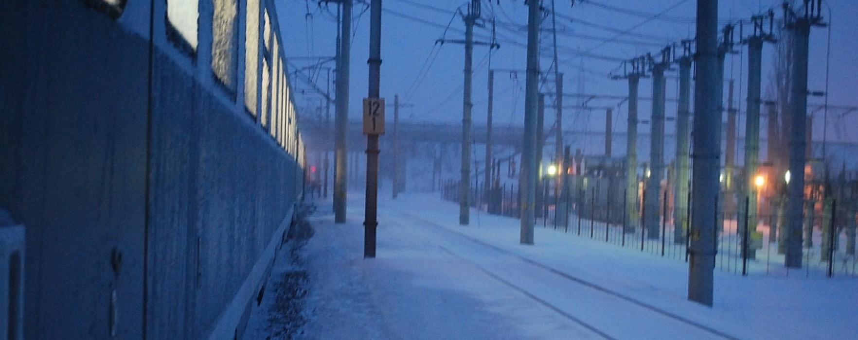 Două trenuri blocate la Titu; trenul de la Ciocăneşti a plecat spre capitală