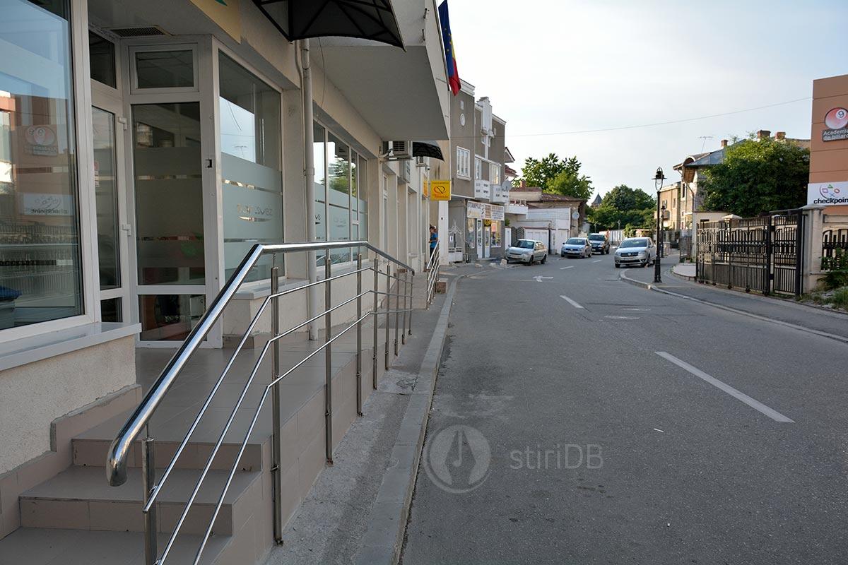 trotuare-stalpi-02