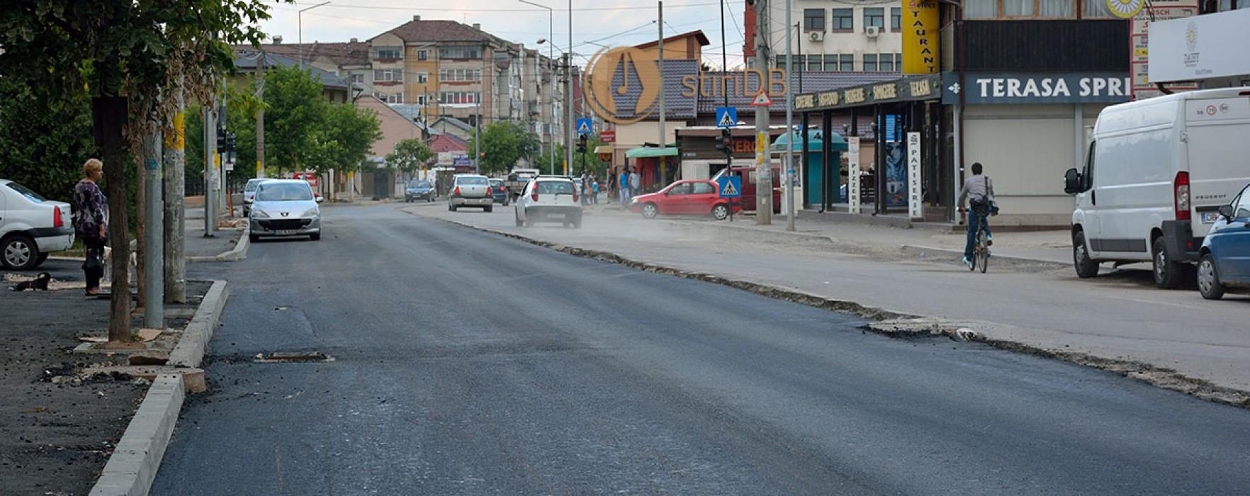 Târgovişte: Se asfaltează, în weekend, Bdul Tudor Vladimirescu; şoferii sfătuiţi să evite zona