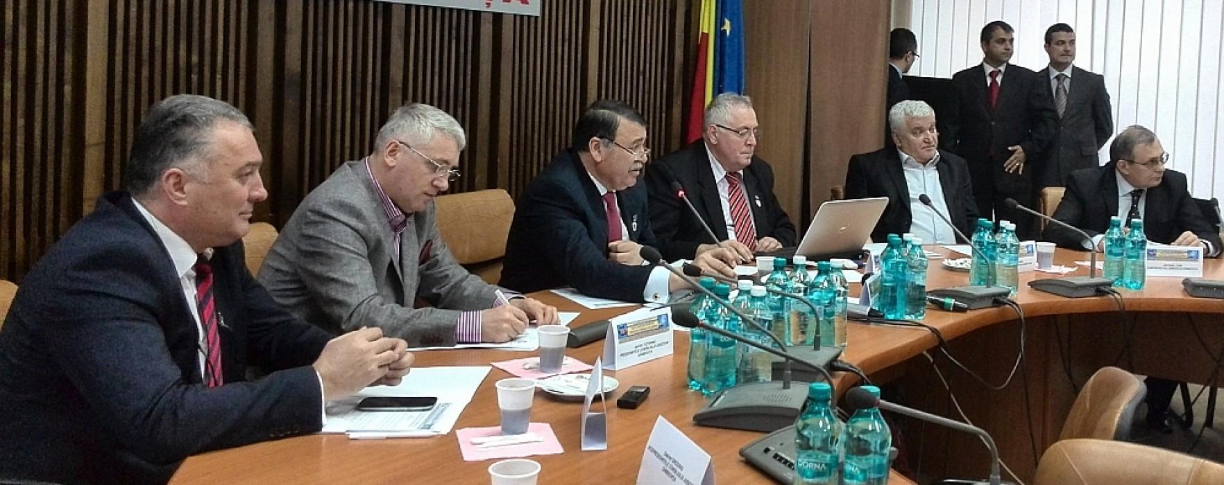 Adrian Ţuţuianu (preşedinte CJ Dâmboviţa): Trebuie să avem în vedere continuarea procesului de descentralizare