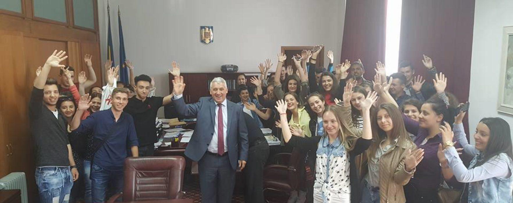 Adrian Ţuţuianu (PSD): O să încerc să aduc cât mai mulţi tineri în vizită la Parlament