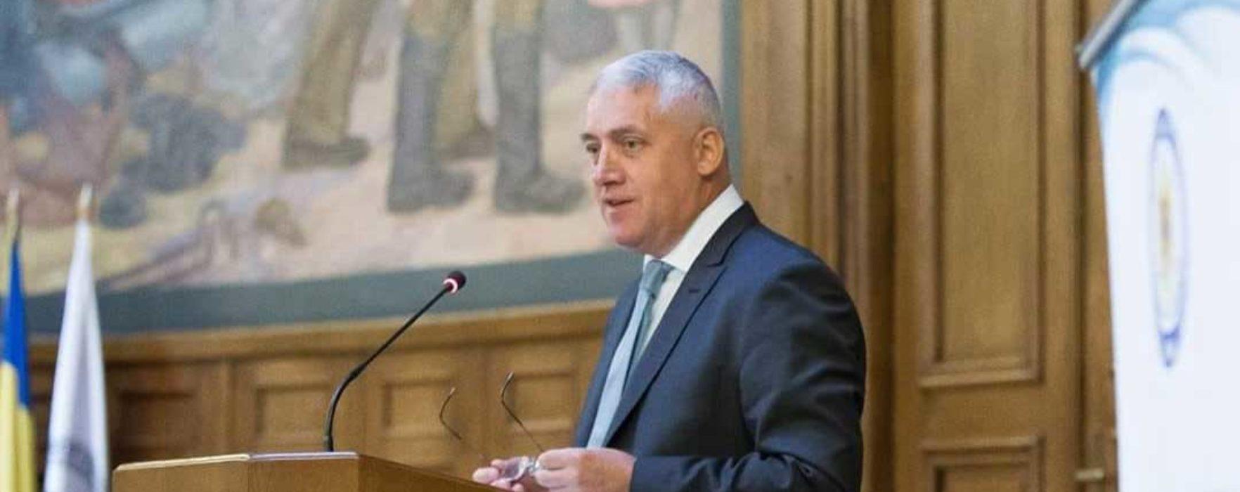 Adrian Ţuţuianu: Alegerile locale ar fi trebuit să aibă loc în luna noiembrie