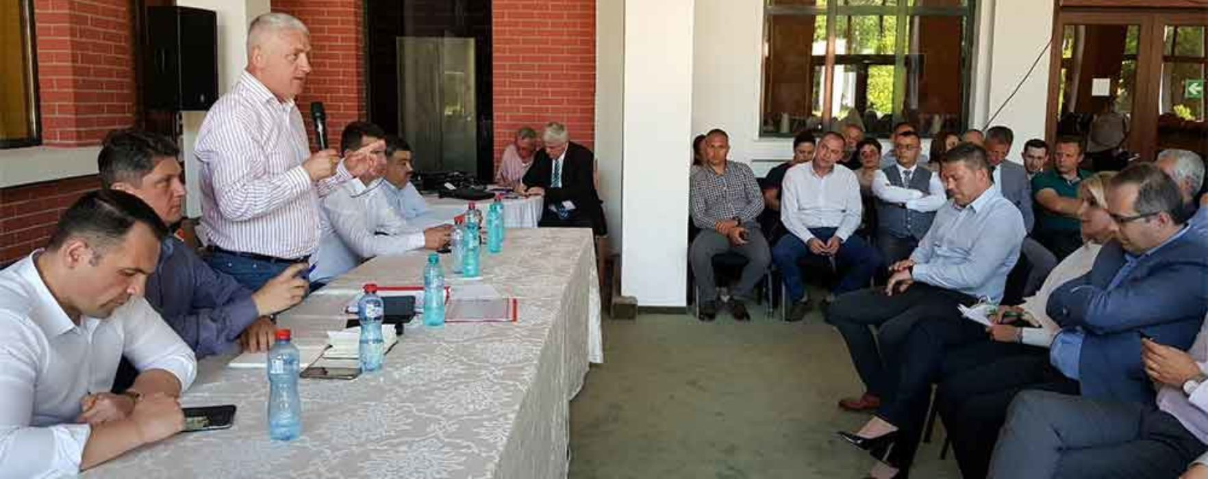 Adrian Ţuţuianu: Mai mulţi primari PNL şi UNPR au participat la Comitetul Executiv al PSD Dâmboviţa