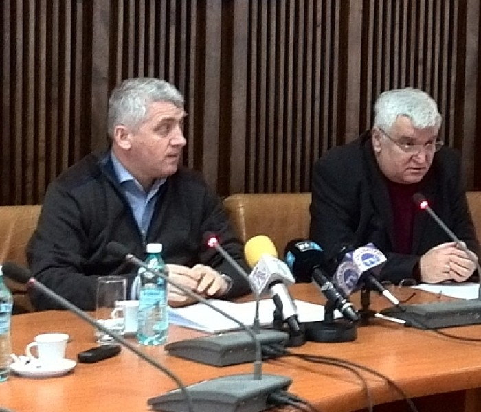 Conducerea CJ Dâmboviţa, în echipe pe teren pentru coordonarea deszăpezirii