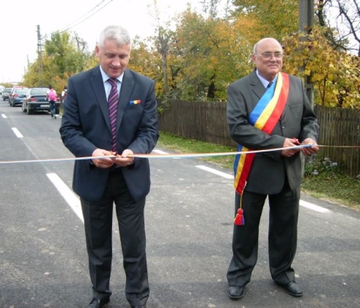 Şcoală gimnazială şi drum judeţean, inaugurate la Şuţa Seacă