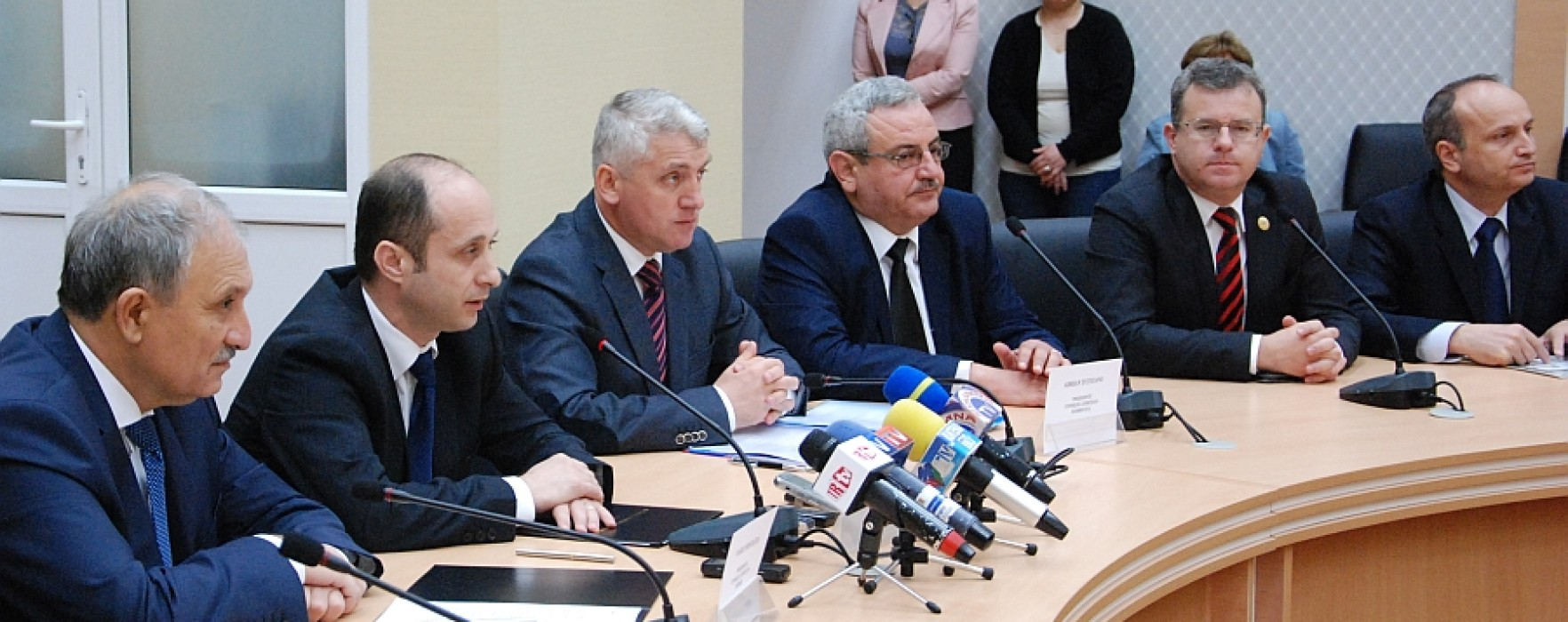 Parteneriat între Dâmbovița, Teleorman și Giurgiu pentru reabilitarea a 139 km de drumuri