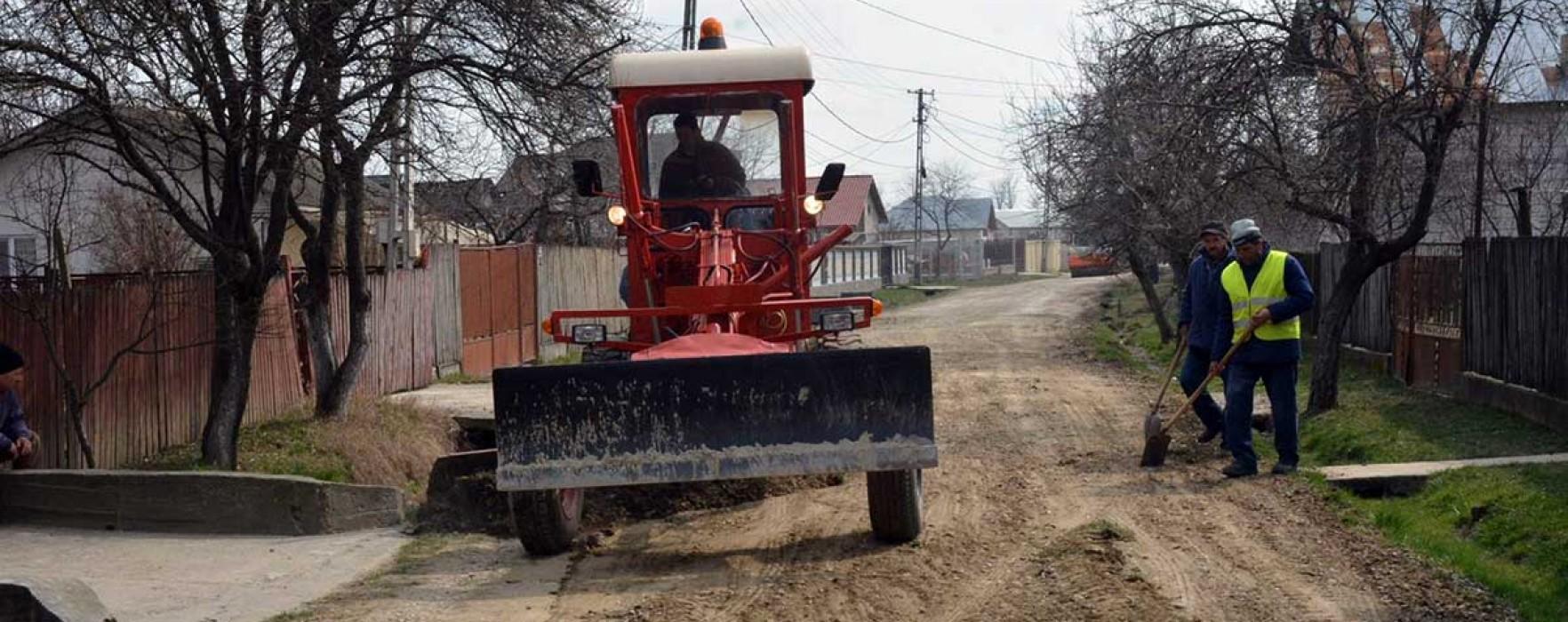 Târgovişte: Lucrări ample de asfaltare în Priseaca