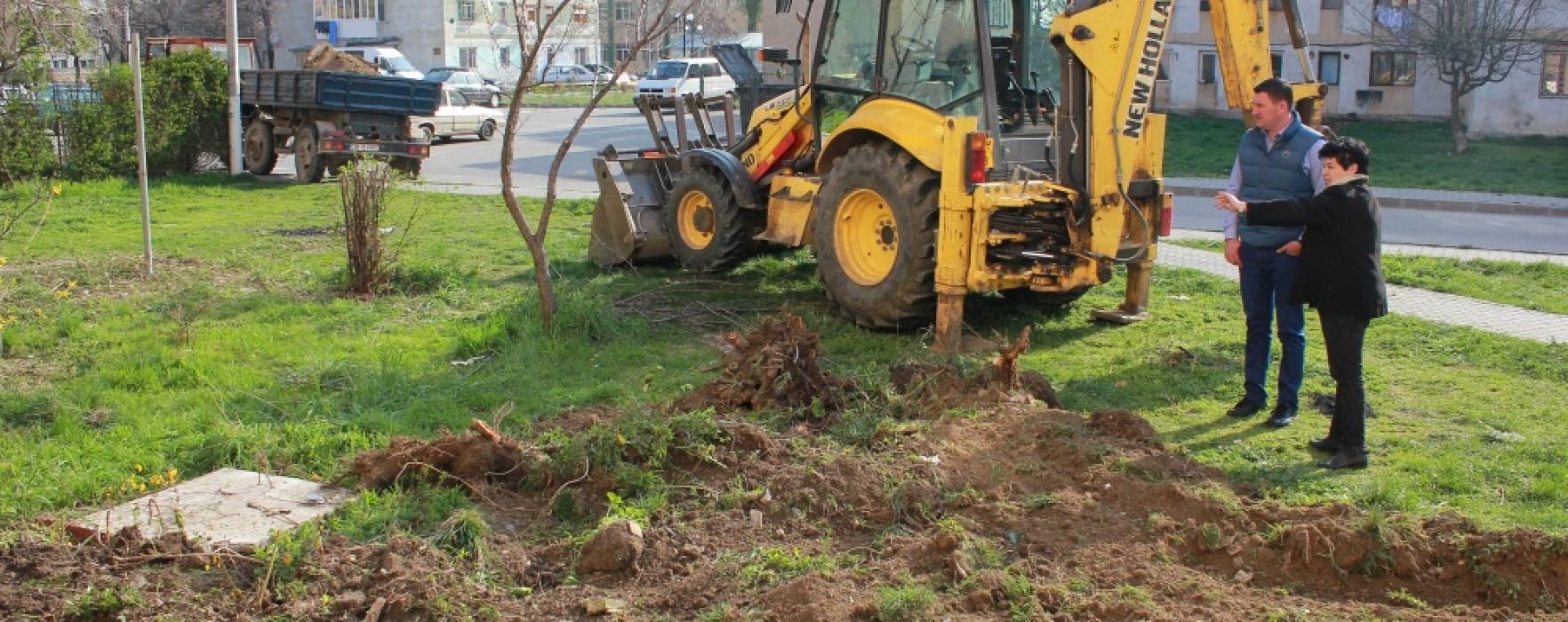 Titu: Au demarat lucrări de amenajare peisagistică, reabilitare termică blocuri, asfaltare străzi