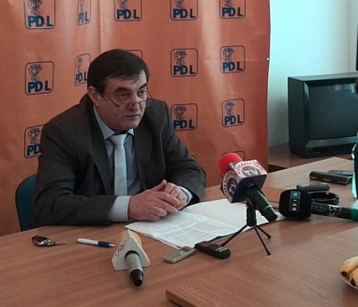 13 consilieri locali şi unul judeţean PDL, excluşi din partid