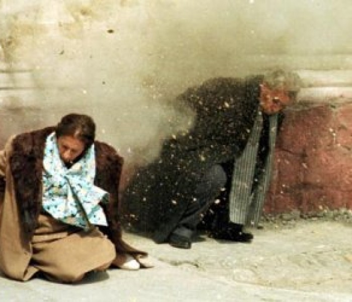 Zidul unde au fost împuşcaţi soţii Ceauşescu, tencuit la începutul anilor '90